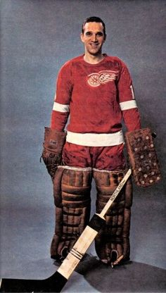 Roger Crozier - Detroit Women's Hockey, Hockey Games, Hockey Players, Red Wings Hockey, Goalie Mask, Detroit Michigan, Toronto Maple Leafs, Detroit Red Wings, Sports Pictures