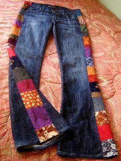 Boot cut jeans were a popular clothing item in hippie culture. Sewing Clothes, Diy Clothes, Hippie Style, My Style, Image Mode, Estilo Hippie, Hippie Pants, Denim Ideas, Pantalon Large