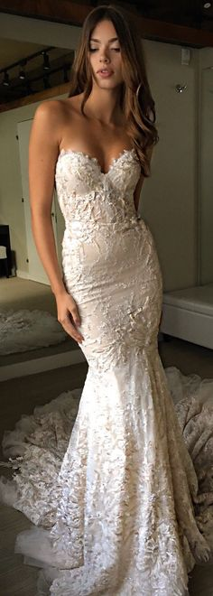 Strapless fitted lace Wedding Dress by @bertabridal with sweetheart neckline