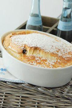 Love message: Kaiserschmarrn from the oven - haesy - No Bake Desserts, Delicious Desserts, Dessert Recipes, Yummy Food, Fudge Caramel, German Baking, Austrian Recipes, Sweet Bakery, Breakfast Dessert