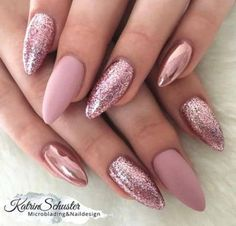 10 elegant rose gold nail designs you should try . - 10 elegant rose gold nail designs you should try must - Rose Nail Art, Rose Gold Nails, Pink Glitter Nails, Matte Pink Nails, Powder Glitter Nails, Pink Chrome Nails, Rose Gold Makeup, Pink Nail Art, Glitter Hair