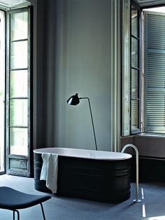 AGAPE - Vanu VIEQUES XS lze charakterizovat jako ztvárnění retro stylu moderním způsobem. Design: Patricia Urquiola, 2011