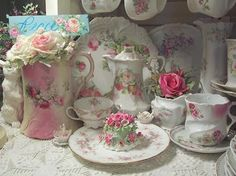 my favorites! China Display, My Cup Of Tea, Rose Cottage, Rose Design, Shabby Chic Decor, Beautiful Roses, Afternoon Tea, Tea Time, Cardmaking
