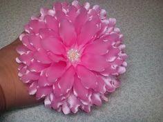 Satin Flowers, Diy Flowers, Beaded Flowers, Fabric Flowers, Paper Flowers, Ribbon Flower Tutorial, Flower Hair Bows, Flower Video, Beautiful Rose Flowers