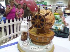 Cake Decorating Competition Winners : Cakes on Pinterest Flower Cupcakes, Shoe Cupcakes and US ...