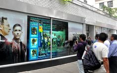 best-window-displays_interactive_inwindow-outdoor_2011_person-of-interest_01.jpg (950×602)