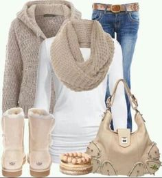 Sand color Ugg boots outfit