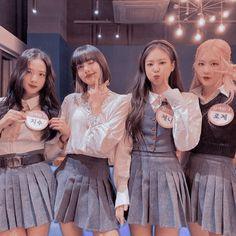 Blackpink Video, Foto E Video, Billie Eilish, Kpop Girl Groups, Kpop Girls, Blackpink Poster, Black Pink Dance Practice, Blackpink Funny, Blackpink Memes