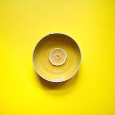 Minimal #Lemon   some water to start the morning // #ayellowmark  #ayellowmarkseries  ___________________