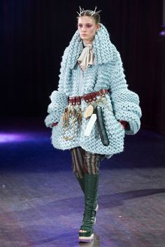 Undercover Fall 2017 Ready-to-Wear Collection Photos - Vogue Weird Fashion, Dope Fashion, Fashion 2018, Fashion Week, Korean Fashion, Fashion Brands, Ladies Fashion, Knitwear Fashion, Fashion Show Collection