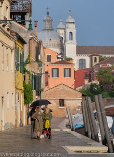 venezia blog: Rainfall in the Sunshine, Late This Afternoon