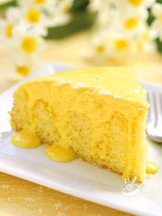 La Torta allo zabaione è un classico che non tramonta mai perché ha tutto il sapore delle torte soffici e irresistibili che si facevano un tempo!