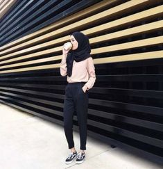 Style Hijab Casual Simple 45 Ideas For 2019 Hijab Casual, Hijab Chic, Casual Outfits, Fashion Outfits, Ootd Hijab, Casual Hijab Styles, Hijab Fashion Casual, Style Hijab Simple, Fashion Muslimah