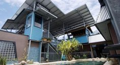 Aspect Central Cairns Ideally located just 800 metres north of the Cairns city centre, Aspect Central offers free Wi-Fi, a restaurant, bar and outdoor swimming pool.