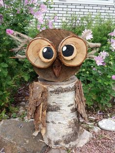 Sage old owl made from a tree stump and bark. Picture result for pottery… - Chritmas - Sage old owl made from a tree stump and bark. Picture result for top craft …, - Owl Crafts, Tree Crafts, Wood Log Crafts, Wood Owls, Wood Animal, Christmas Crafts For Kids To Make, Wooden Christmas Trees, Diy Holz, Wood Creations