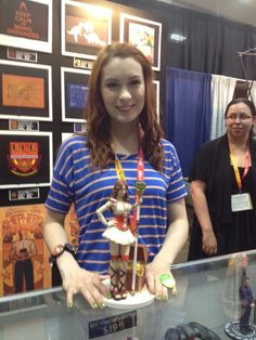 Felicia Day and her Codex statue!