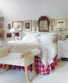 In an extract from her book 'Living Life Beautifully', Cabbages & Roses founder Christina Strutt introduces her 'perfect country cottage' in Somerset. Cottage Homes, Cottage Interiors, Cottage Style, Cottage Bedrooms, Modern Cottage, Raised House, High Beds, Vogue Living, Large Table