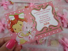 Convite para aniversário infantil tema  Moranguinho Baby. Modelo Júlia. Disponível em várias cores.  =============================================== Valor unitário: Convite P (10x7cm ) R$ 1,95 Convite M (14,5x9,5cm) R$ 2,95  Especificações: Papel: Couché  Acompanha envelope artesanal em papel vegetal, tag com o nome dos convidados e fitinha de cetim.   Pedido mínimo: 25 convites Para mais informações, entre em contato :) R$ 1,95