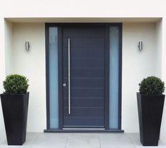 Fachadas de casas con puertas de aluminio