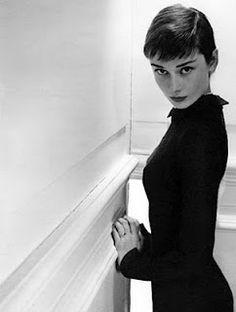 Audrey Hepburn, so pretty with short hair