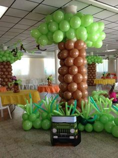 What an awesome way to decorate for a Jungle Safari VBS! Jungle Theme Parties, Safari Birthday Party, Safari Theme, Jungle Safari, Safari Jeep, Jungle Party, Luau Party, Baby Party, Safari Crafts
