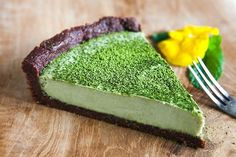 WEBSTA @ _crazy_cucumber_nz_ - Vegan and Gluten Free Chocolate Matcha Tart.When Japan meets France.Enjoy a mouthwatering emerald color coconut matcha tart, sweet and creamy with a tad of bitterness of chocolate and green tea. Delicious! Recipe already on my blog (link in the Bio)