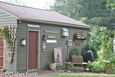 paint colour for shed? Birdhouses on the shed too?  great idea. #garden