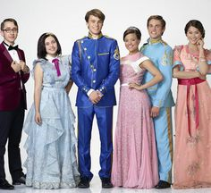Disney Channel's original movie 'Descendants' stars Zachary Gibson as Doug, Brenna D'Amico as Jane, Mitchell Hope as Ben, Sarah Jeffery as Audrey, Jedidiah Goodacre as Chad and Dianne Doan as Lonnie. The Descendants, Disney Channel Movies, Disney Channel Descendants, Descendants Costumes, Disney Channel Original, Descendants Pictures, Original Movie, Disney Movies, Descendants Videos