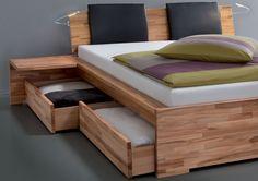 lit avec rangements design, literie colorée et coussins gris