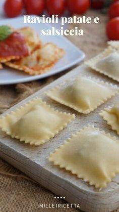 Ravioli patate e salsiccia - Homemade Pizza Pasta Bar, Pot Pasta, Pasta Per Ravioli, Homemade Pasta, Latest Recipe, Food Facts, Salvia, Creative Food, Food Plating