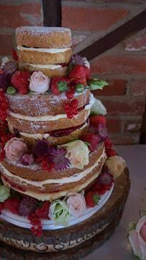 """""""naked"""" cakes by www.love-cupcake.co.uk SO CUTE!"""