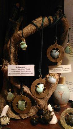 Talismano Runico, anelli e ciondoli con Amazzonite, Calcite e Crisoprasio