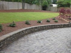 Pine straw mulch facts ground covering gardens and for Landscaping rocks dothan al