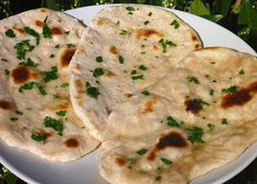 Naan, Dumplings, Cheeseburger Chowder, Hummus, Mashed Potatoes, Good Food, Pizza, Soup, Bread