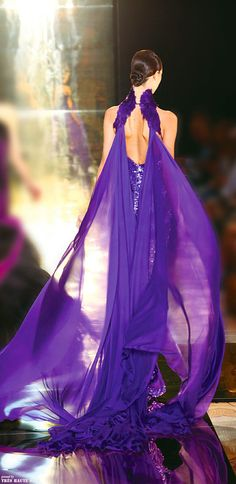 Georges Chakra Couture - the back on this dress is gorgeous and so is the royal purple fabric. The Purple, All Things Purple, Shades Of Purple, Purple Dress, Purple Stuff, Georges Chakra, Mode Glamour, Purple Reign, Purple Fashion