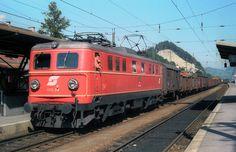 ÖBB 1010.08 mit Gz in Jenbach, 13.09.1984 (00037)