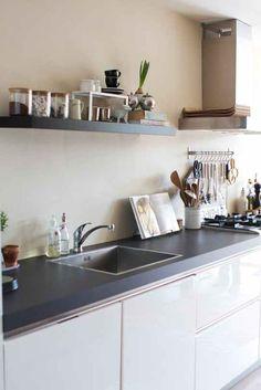 Small Kitchen Ideas for A Creative Home Design Kitchen Dinning, New Kitchen, Kitchen Decor, Kitchen Design, Kitchen Ideas, Kitchen Inspiration, Home Staging, Kitchen Spotlights, Hub Home