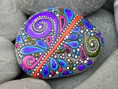 I love painted rocks! by montse.esquivel.779