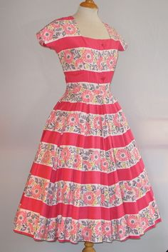 My lastest Horrockses dress purchased from The Looking Glass vintage shop in Bridgnorth (which I highly recommend a visit to if you love 50s dresses!). 4th Oct 12