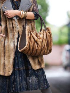 Fall Fur: 8 New Furry Women's Sewing Patterns Fur Purse, Fur Bag, Diy Clothes Bag, Burda Sewing Patterns, Bag Pattern Free, Tote Pattern, Boho Bags, Vintage Fur, Sewing Blogs