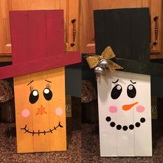 Reversible wooden snowman/scarecrow