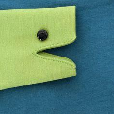 Schau Dir die Handpuppe am Ärmel von Spielmode an, die man als verschiedene Tiere interpretieren kann: Frosch, Schlange, Krokodil, ...  http://spielmode.de/shop/froschi-blau/