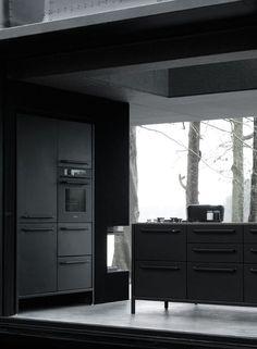 This Stunning Prefabricated House Is Every Minimalist's Dream - UltraLinx