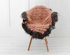 Natural wool blankets and hand woven wool area rugs : ) por SheepWoolBlankets Seat Pads, Chair Pads, Outdoor Seat Cushions, Stool Covers, Rustic Chair, Winter Hats, Crochet Hats, Wool, Chairs