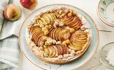 מתכון לפאי אפרסקים וקרם אגוזים: אם יש לכם כמה שעות פנויות ויצר אפייה בריא - הכינו בצק פריך, פנקו אותו בקרם אגוזים ופרוסות אפרסקים ותזמינו מישהו שאתם אוהבים לקפה