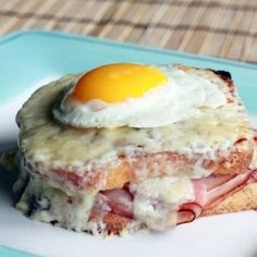Croque Madame or Croque Monsieur? Get These Classic French Breakfast Recipes at thefrenchinspiredroom.com