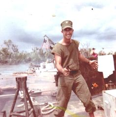 Vietnam Gunboat Captain's Hand Account - Night on the River Brown Water Navy, Navy And Brown, Fear Of Being Alone, Treading Water, Ww2 Uniforms, Mekong Delta, History Online, Grown Man, War Machine