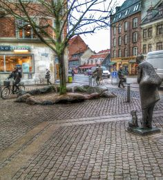 Valby Thingstead - The circle of stones is the place where the Elders of Valby  made decision of importans to the small village of Valby 150 years ago.  The square is named after this circle of stones.
