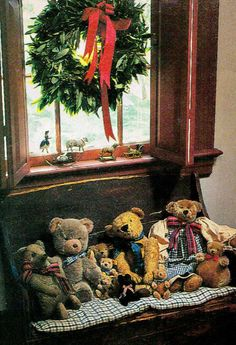 Unique collection of old teddy bears Christmas Teddy Bear, Primitive Christmas, Country Christmas, All Things Christmas, Vintage Christmas, Christmas Time, Old Teddy Bears, Vintage Teddy Bears, My Teddy Bear