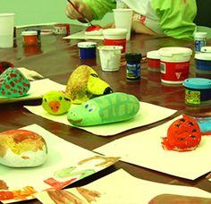 #Talleres . Fomenta la creatividad de niños y mayores con nuestros talleres de manualidades. Te llevarás un bonito recuerdo hecho por ti mismo. http://www.tuhinchableencasa.com/atracciones/animacion/talleres.html